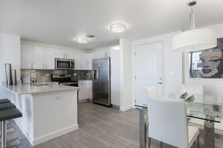 Circle residence kitchen with stainless steel appliances